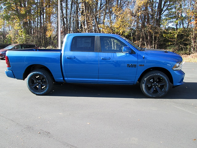 2018 Ram 1500 Crew Cab 4x4, Pickup #D180175 - photo 3