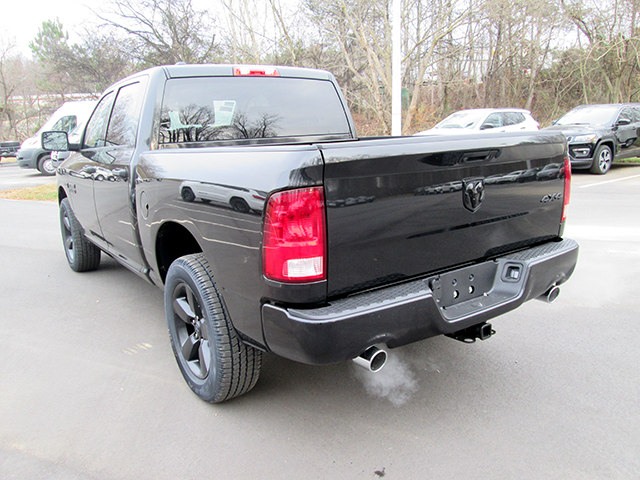 2018 Ram 1500 Crew Cab 4x4, Pickup #D180268 - photo 2