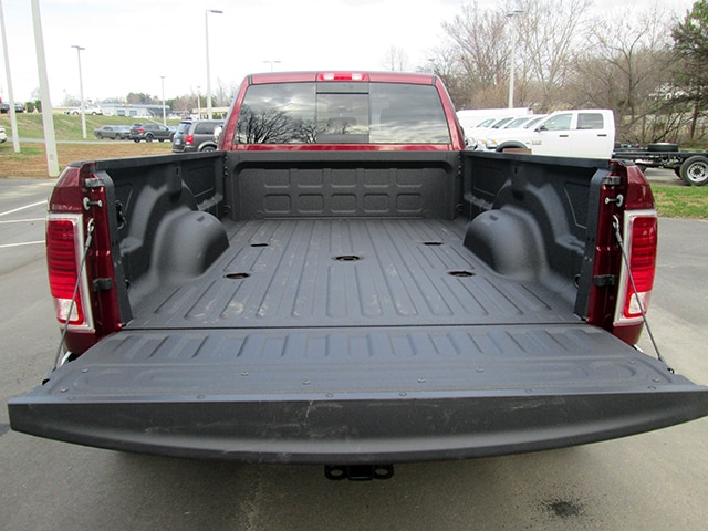 2018 Ram 3500 Crew Cab DRW 4x4,  Pickup #D180357 - photo 11