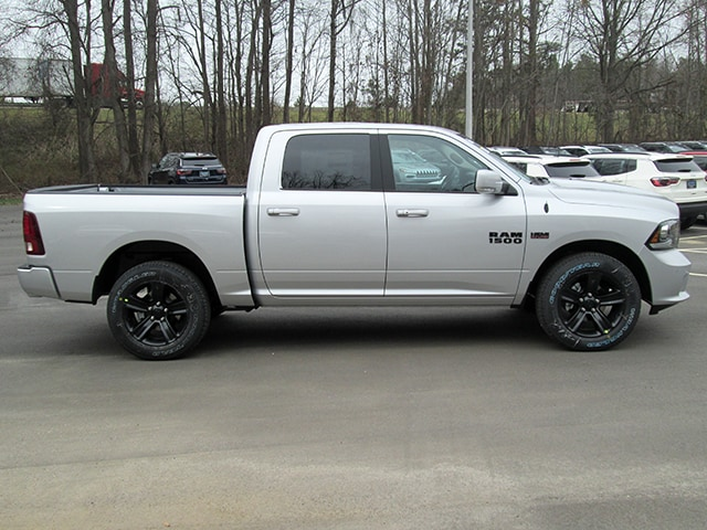 2018 Ram 1500 Crew Cab 4x4, Pickup #D180367 - photo 3
