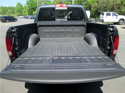 2018 Ram 1500 Crew Cab 4x4, Pickup #D180483 - photo 11