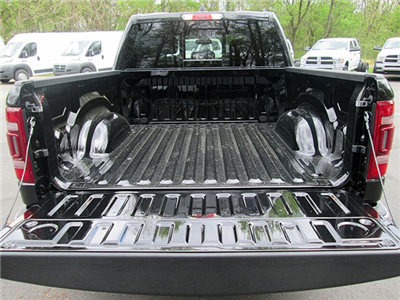 2019 Ram 1500 Crew Cab 4x4, Pickup #D190007 - photo 11