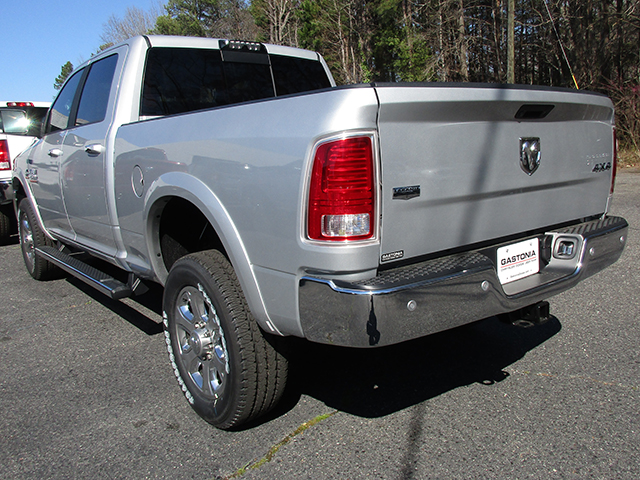 2017 Ram 2500 Crew Cab 4x4, Pickup #D170156 - photo 2