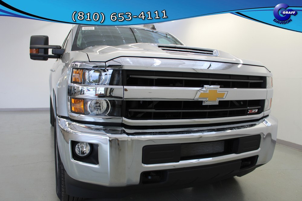 2018 Silverado 2500 Crew Cab 4x4, Pickup #6-10785 - photo 10