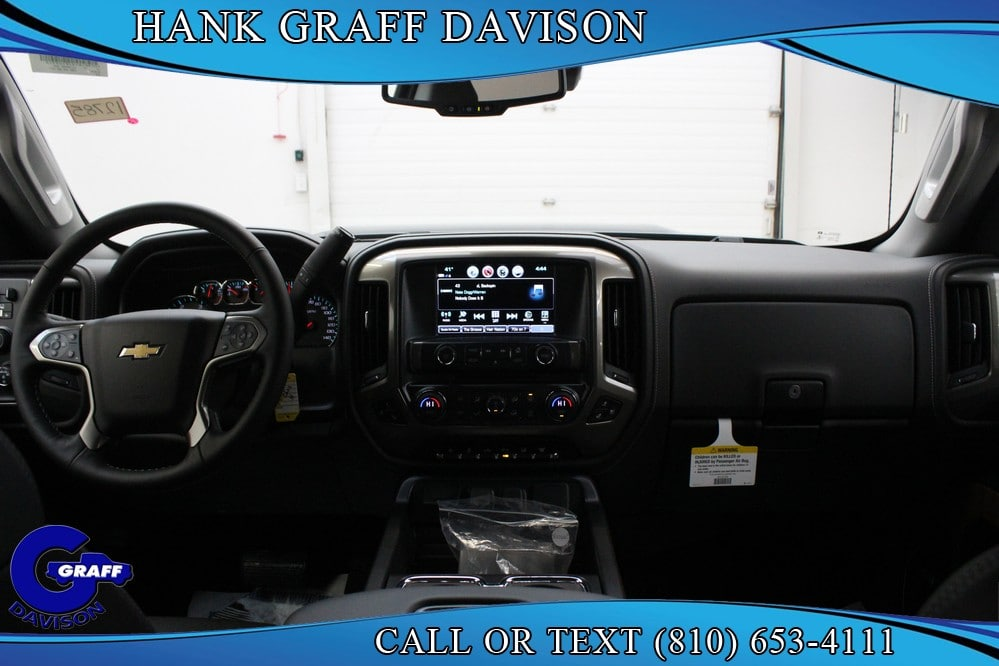 2018 Silverado 3500 Crew Cab 4x4,  Pickup #6-12785 - photo 18