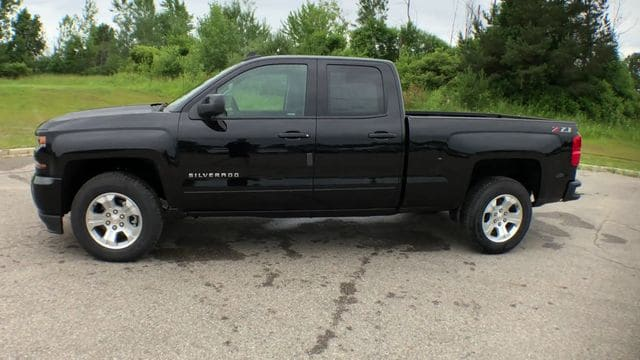 2018 Silverado 1500 Double Cab 4x4,  Pickup #6-14104 - photo 7