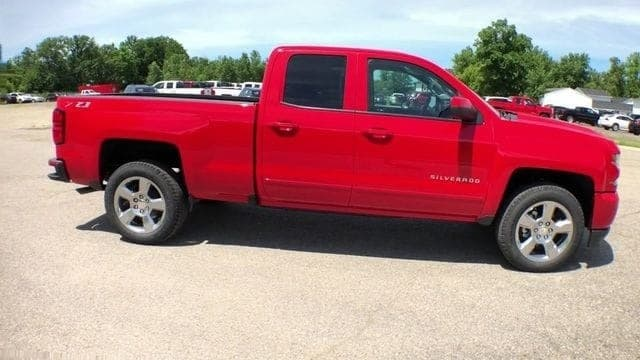 2018 Silverado 1500 Double Cab 4x4,  Pickup #6-14390 - photo 3
