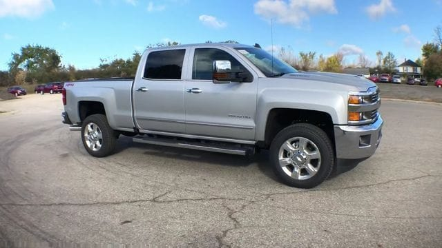 2019 Silverado 2500 Crew Cab 4x4,  Pickup #6-15913 - photo 4