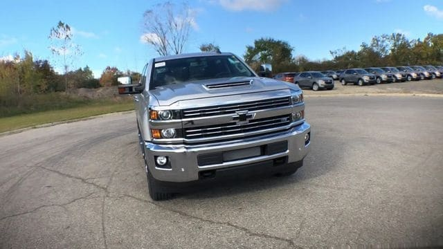 2019 Silverado 2500 Crew Cab 4x4,  Pickup #6-15913 - photo 5