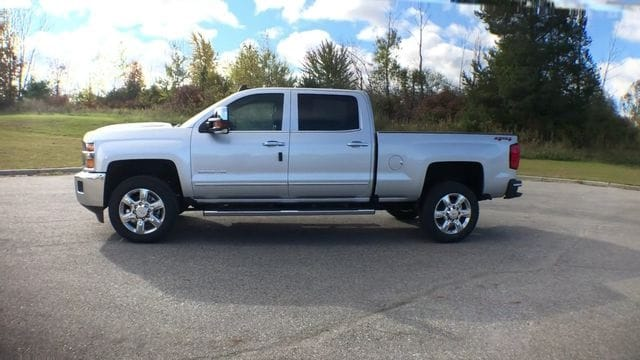 2019 Silverado 2500 Crew Cab 4x4,  Pickup #6-15913 - photo 6