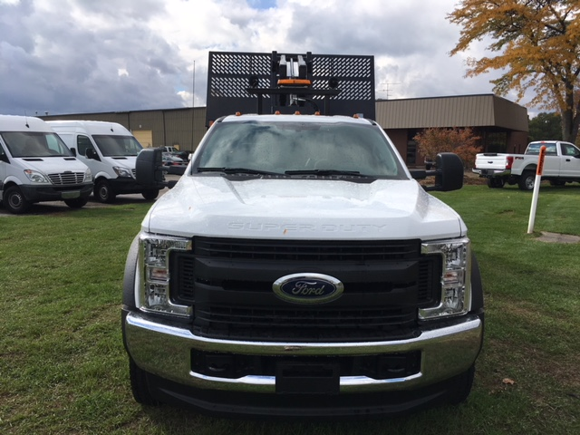 2017 F-550 Regular Cab DRW 4x4, Platform Body #HDA07769 - photo 4