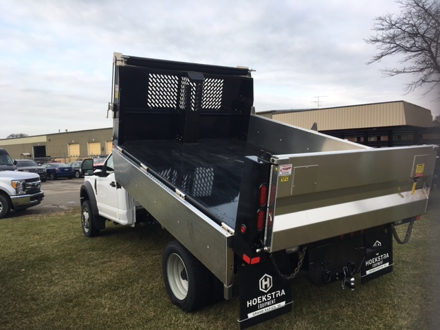 2017 F-550 Regular Cab DRW 4x4, Dump Body #HEC83234 - photo 3