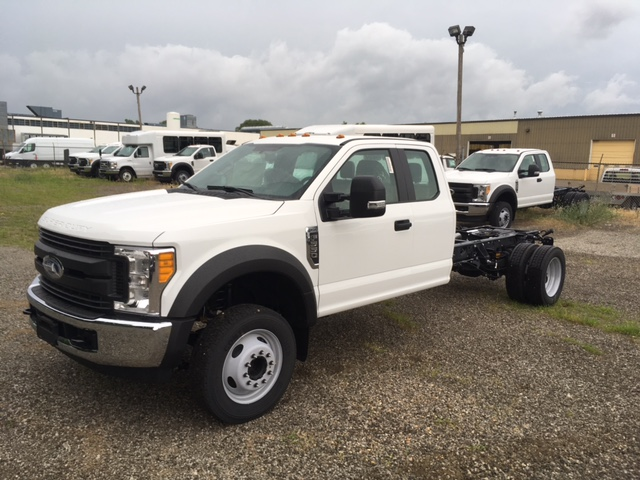 2017 F-550 Super Cab DRW, Hoekstra Equipment Cab Chassis #HED60612 - photo 3