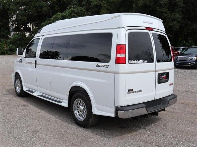 2018 Savana 2500 4x2,  Passenger Wagon #F18780 - photo 1