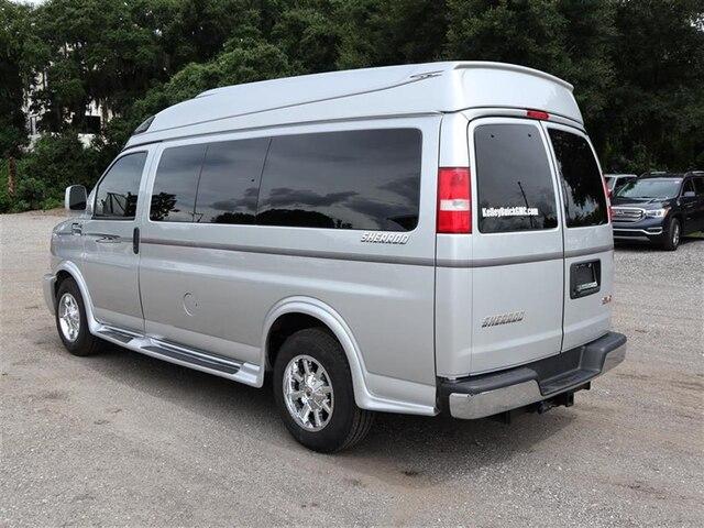 2018 Savana 2500 4x2,  Passenger Wagon #F18781 - photo 1