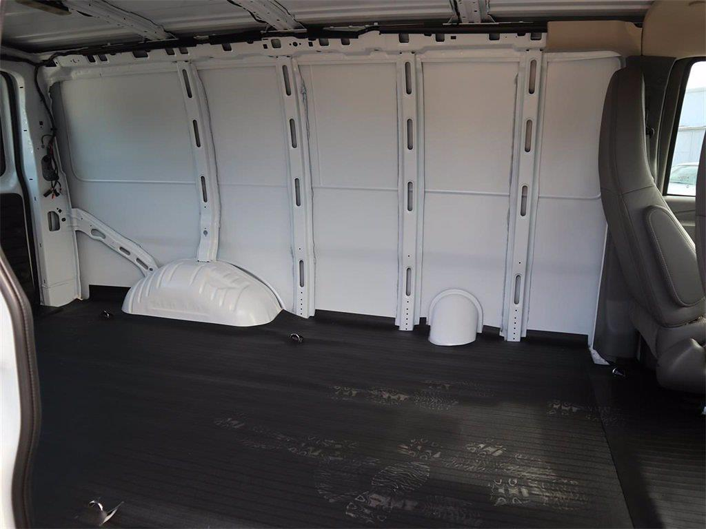 2021 GMC Savana 2500 4x2, Empty Cargo Van #F21092 - photo 2