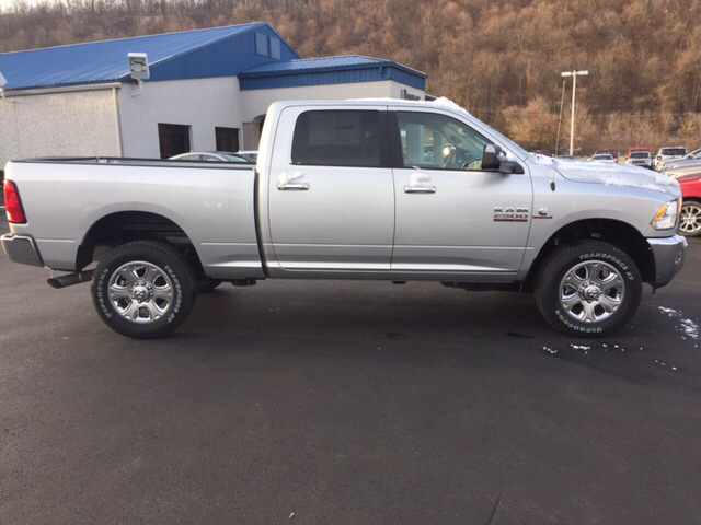 2017 Ram 2500 Crew Cab 4x4, Pickup #16617 - photo 3
