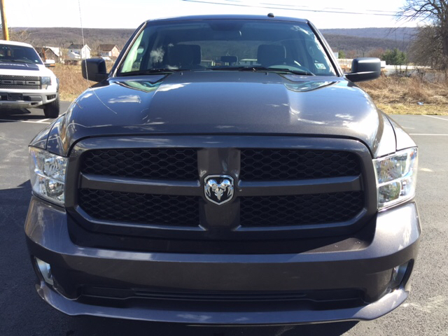 2017 Ram 1500 Crew Cab 4x4, Pickup #16679 - photo 3