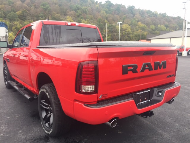 2018 Ram 1500 Crew Cab 4x4 Pickup #17450 - photo 2
