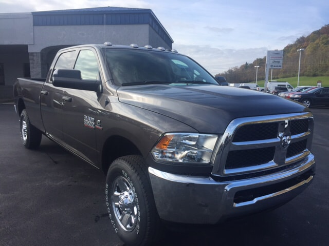 2018 Ram 2500 Crew Cab 4x4 Pickup #17510 - photo 3