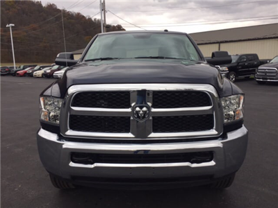 2018 Ram 3500 Crew Cab 4x4, Pickup #17546 - photo 3