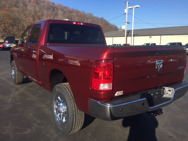 2018 Ram 3500 Crew Cab 4x4, Pickup #17549 - photo 2