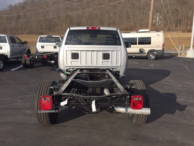 2018 Ram 3500 Regular Cab 4x4, Cab Chassis #17555 - photo 7