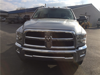 2018 Ram 3500 Regular Cab 4x4 Cab Chassis #17555 - photo 3