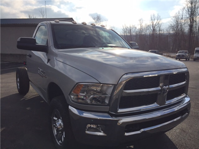 2018 Ram 3500 Regular Cab 4x4, Cab Chassis #17555 - photo 4