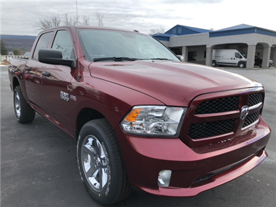 2018 Ram 1500 Crew Cab 4x4,  Pickup #17604 - photo 4