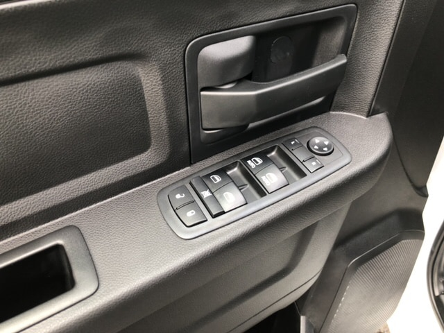 2018 Ram 3500 Crew Cab 4x4, Pickup #17838 - photo 11