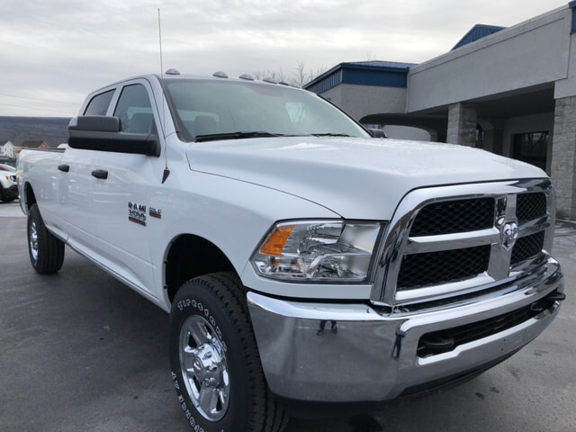 2018 Ram 3500 Crew Cab 4x4, Pickup #17838 - photo 4
