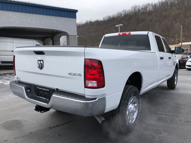 2018 Ram 3500 Crew Cab 4x4, Pickup #17838 - photo 6