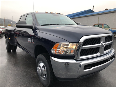 2018 Ram 3500 Crew Cab DRW 4x4, Pickup #18416 - photo 4