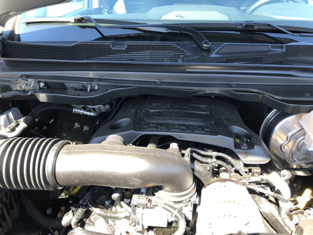 2019 Ram 1500 Crew Cab 4x4, Pickup #18417 - photo 18