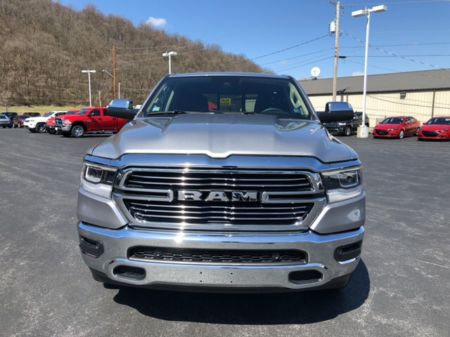 2019 Ram 1500 Crew Cab 4x4, Pickup #18417 - photo 3