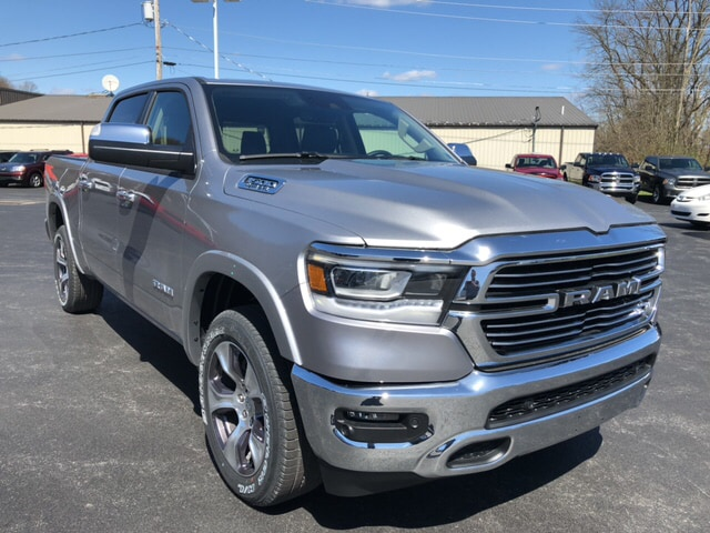 2019 Ram 1500 Crew Cab 4x4, Pickup #18417 - photo 4