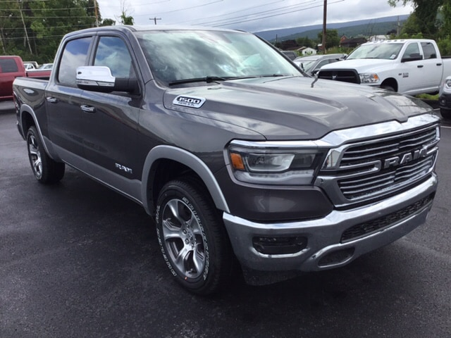 2019 Ram 1500 Crew Cab 4x4,  Pickup #18418 - photo 4