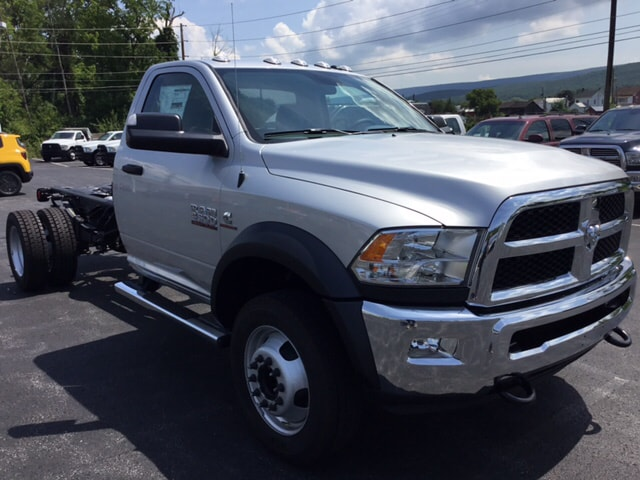 2018 Ram 4500 Regular Cab DRW 4x4,  Cab Chassis #19332 - photo 4