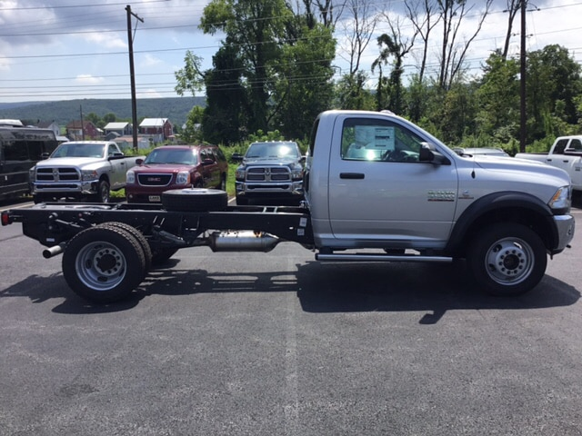 2018 Ram 4500 Regular Cab DRW 4x4,  Cab Chassis #19332 - photo 5