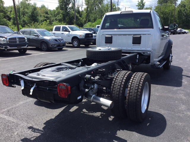 2018 Ram 4500 Regular Cab DRW 4x4,  Cab Chassis #19332 - photo 6