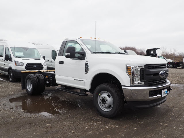 2018 F-350 Regular Cab DRW 4x4,  Cab Chassis #JF372 - photo 4