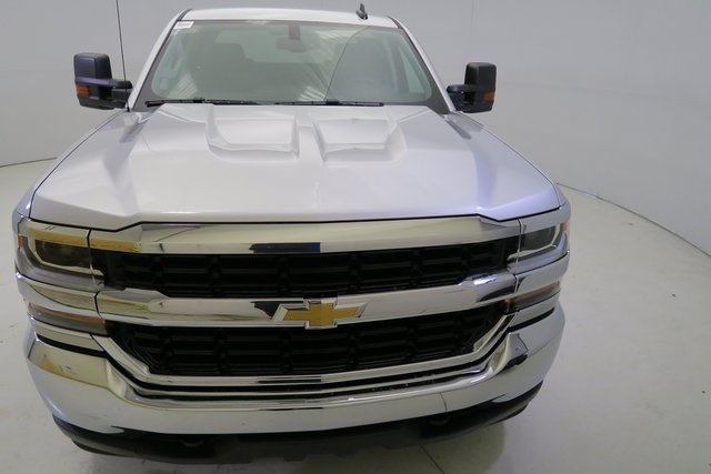 2017 Silverado 1500 Crew Cab 4x4, Pickup #G428 - photo 4