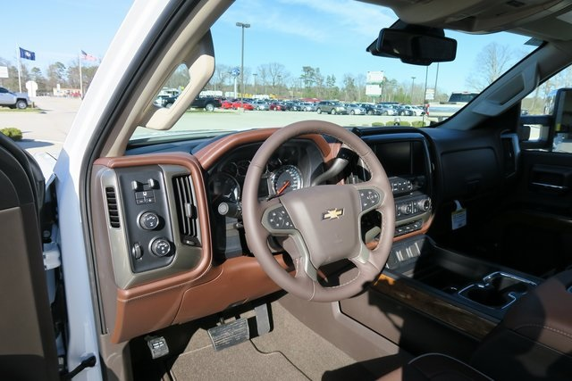 2017 Silverado 3500 Crew Cab 4x4, Pickup #G832 - photo 15