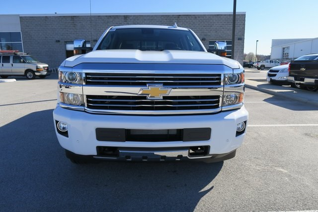 2017 Silverado 3500 Crew Cab 4x4, Pickup #G832 - photo 4