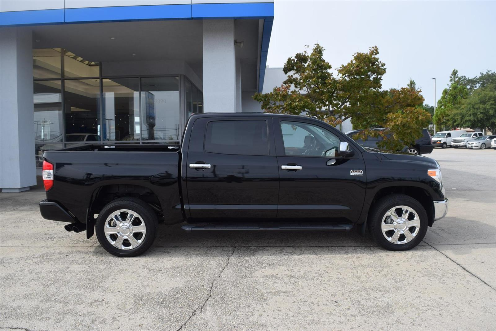 2017 Toyota Tundra Crew Cab 4x4, Pickup #201019A - photo 1