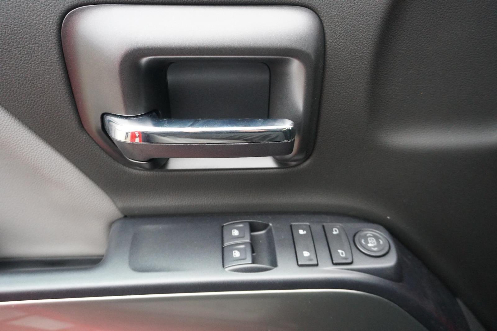 2019 Chevrolet Silverado 5500 Regular Cab DRW 4x2, Rollback Body #91052 - photo 17