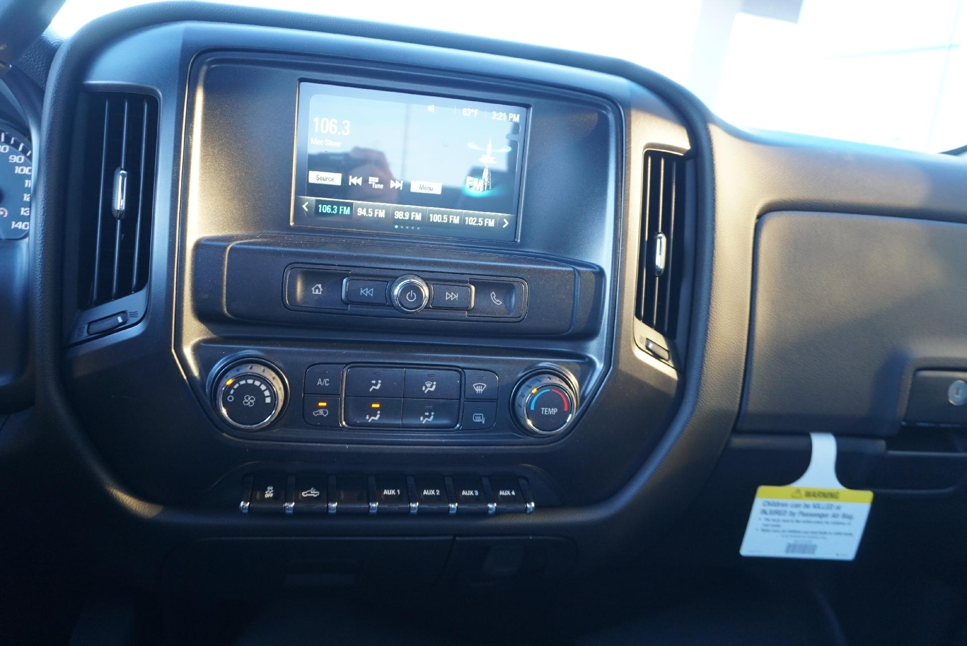 2019 Silverado 2500 Double Cab 4x2, Reading SL Service Body #91718 - photo 17