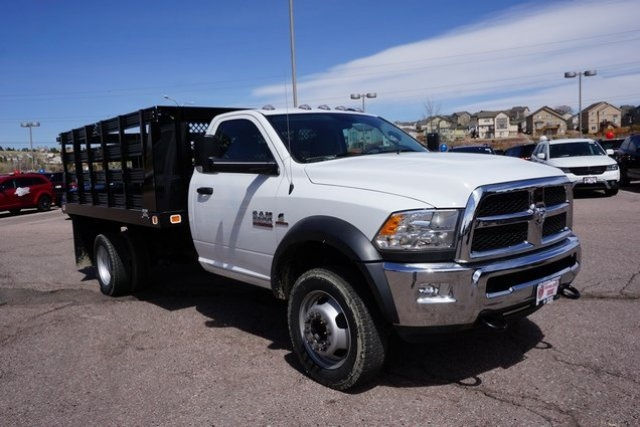 2017 Ram 5500 Regular Cab DRW 4x4, Stake Bed #7704R - photo 4