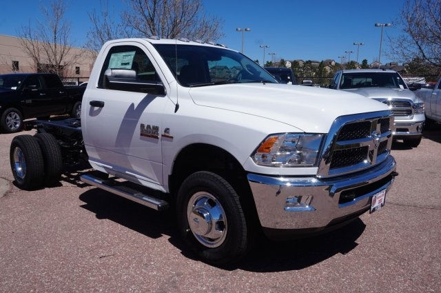 2017 Ram 3500 Regular Cab DRW 4x4, Cab Chassis #7725R - photo 3